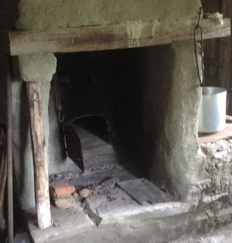Ovnen i tørkhuset i Skogtrøa