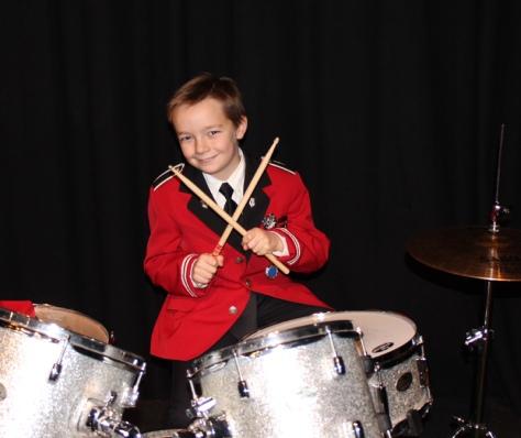 Daniel Wassli Loktu - ivrig trommeslager i Frosta skolemusikk.