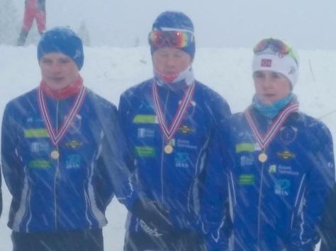 Kretsmestre KM stafett G15-16: Henrik Einangshaug, Kristian Evenhus og Simen Hegstad