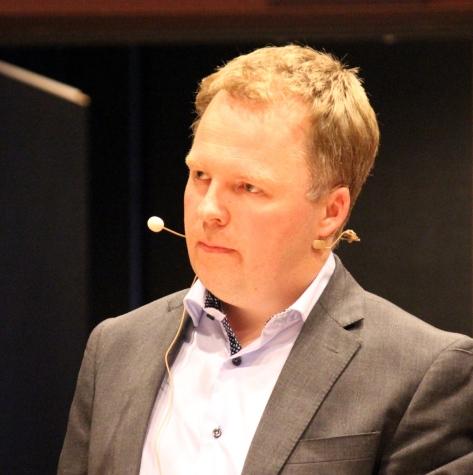 Debattleder med glimt i øyet; Stig Tore Laugen