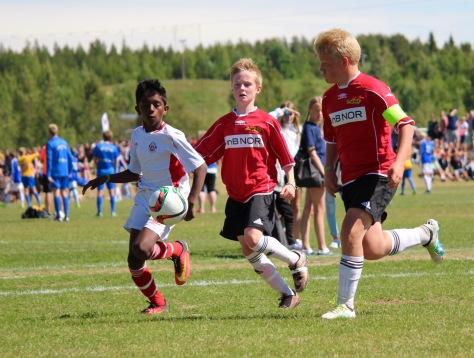 Lars Joakim Rygg og Markus Skjevik i god fart mot Trygg/Lades mål under semifinalen