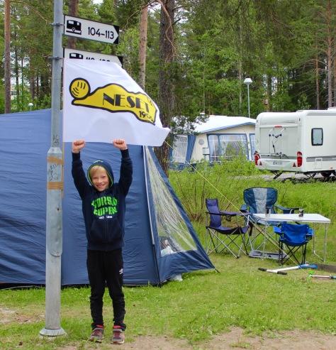 Heia Neset FK! Even Bratsvedal Berg gleder seg stort til å kunne få delta selv på Storsjøcup. Inntil videre koser han seg på Camp Neset i Østersund.